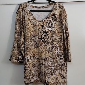 3/4 sleeved  knit shirt  brown tones with cream